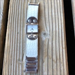Michael Kors White Embossed Leather Silver Watch!